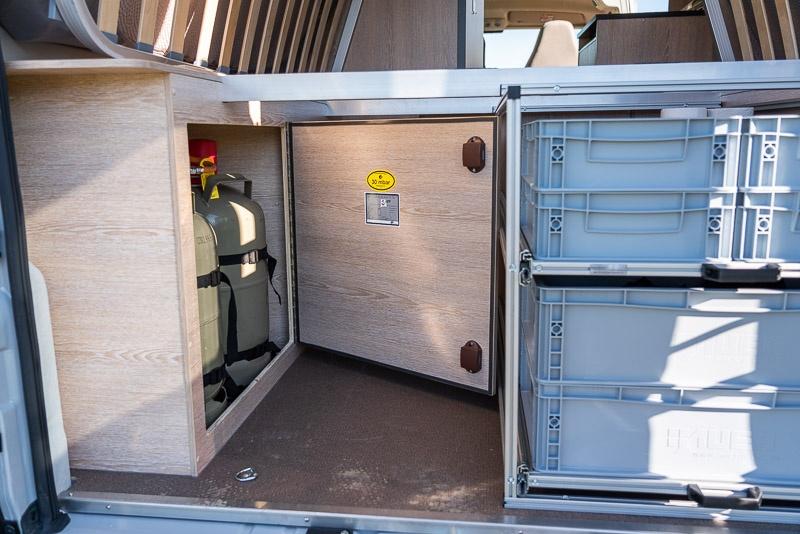 Heckgarage für Auszugsystem ausmessen - auf Besonderheiten (Gaskasten) beachten