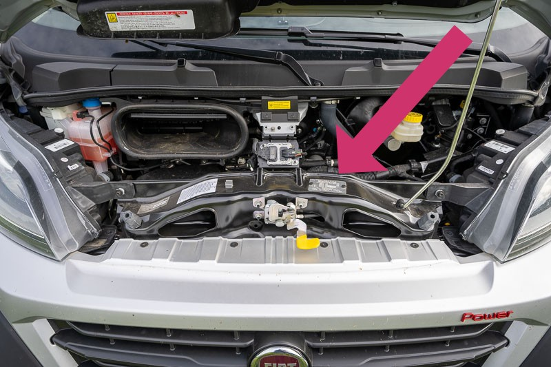 Plakette im Motorraum ob Maxi oder Light Chassis