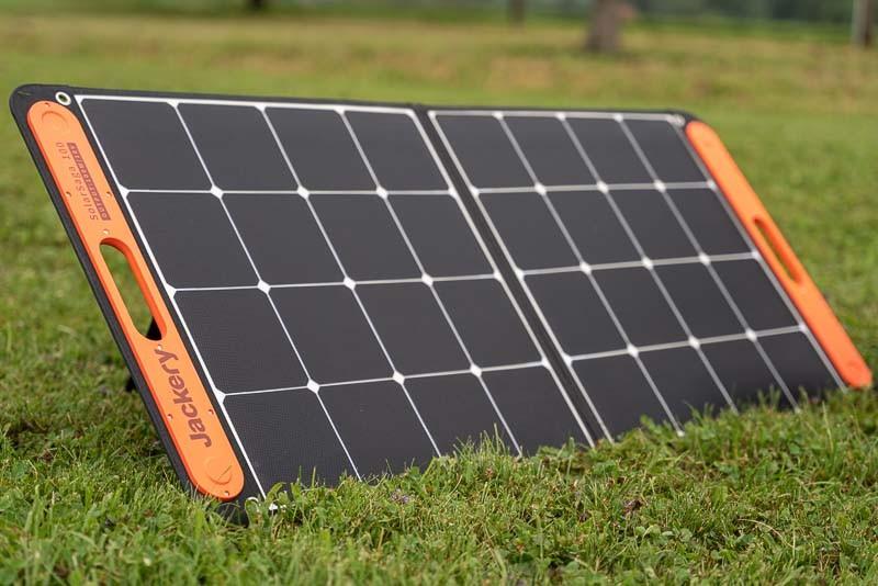 Jackery faltbares Solarpanel SolarSaga 100